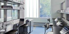 实验前需对实验室超净操作台怎样处理?